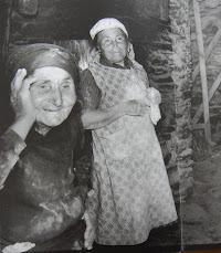 Fazendo pao a antiga, em Vilarinho dos Galegos