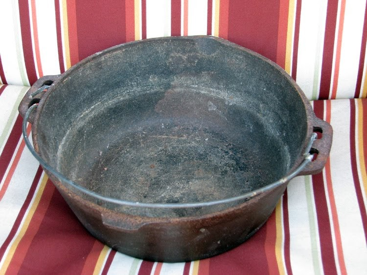 all trails lead home how to restore old cast iron cookware. Black Bedroom Furniture Sets. Home Design Ideas