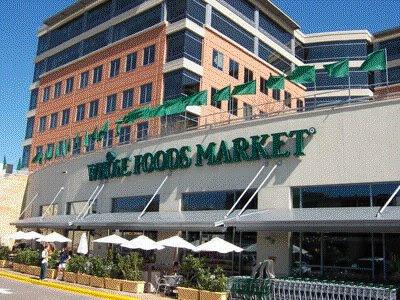 http://3.bp.blogspot.com/_V2EmhfRfoQ4/SaIl0rvMX_I/AAAAAAAACxE/pItYc5qvkvo/s400/Whole+Foods+Market+Austin+HQ+and+store.bmp