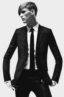 Dior homme Hedi Slimane suit