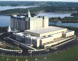 Chateau on the Lake Luxury Hotel in Branson