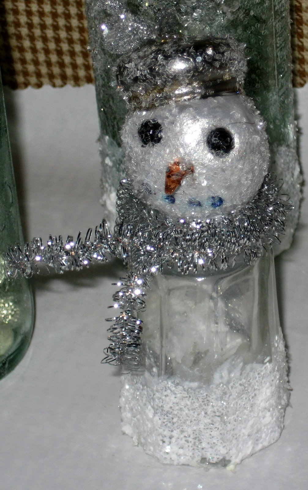 [salt+shaker+snowman.jpg]