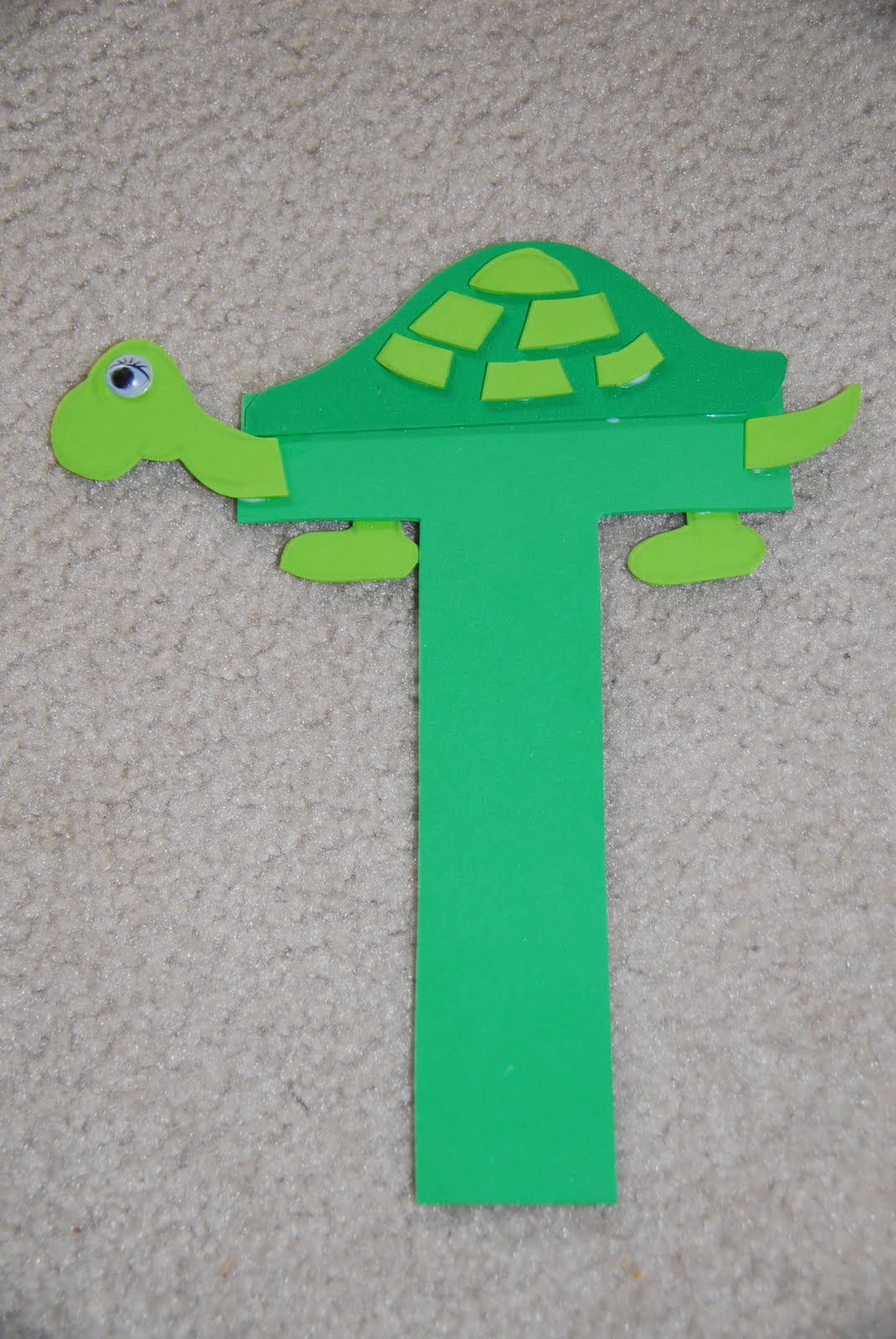 Mc tot tot school letter t craft for Turtle arts and crafts