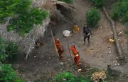 A Comissão de Direitos Humanos da ONU em parceria com a Funai realizaram . (mhg pais indios isolados)