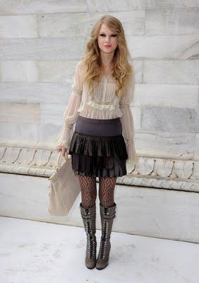 http://3.bp.blogspot.com/_V6Nqt3XAMVw/TKCosJn4IaI/AAAAAAAABrU/s1BE-lJ-xxw/s1600/Taylor+Swift+photoshoot+Italia+005.jpg