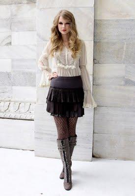 http://3.bp.blogspot.com/_V6Nqt3XAMVw/TKCpRb6LO2I/AAAAAAAABsU/YLMufTRANaw/s1600/Taylor+Swift+photoshoot+Italia.jpg