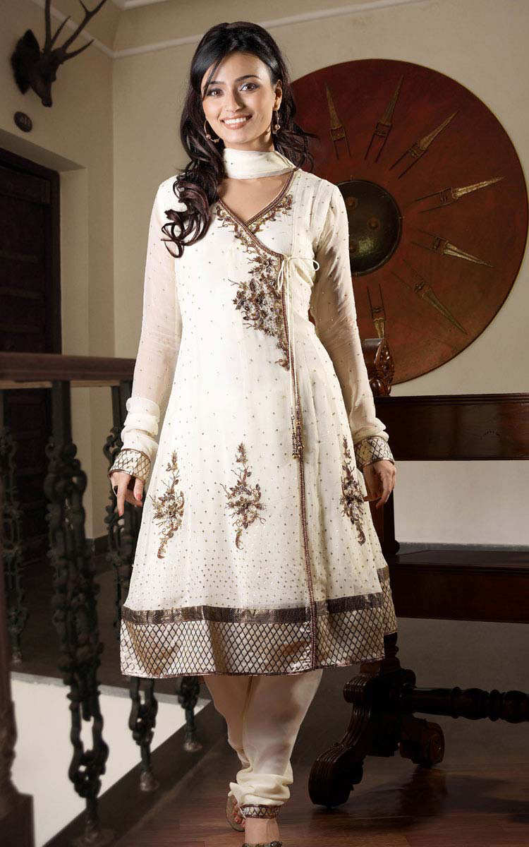 White Salwar Suit Designs – Latest Charming Dresses Collection ...