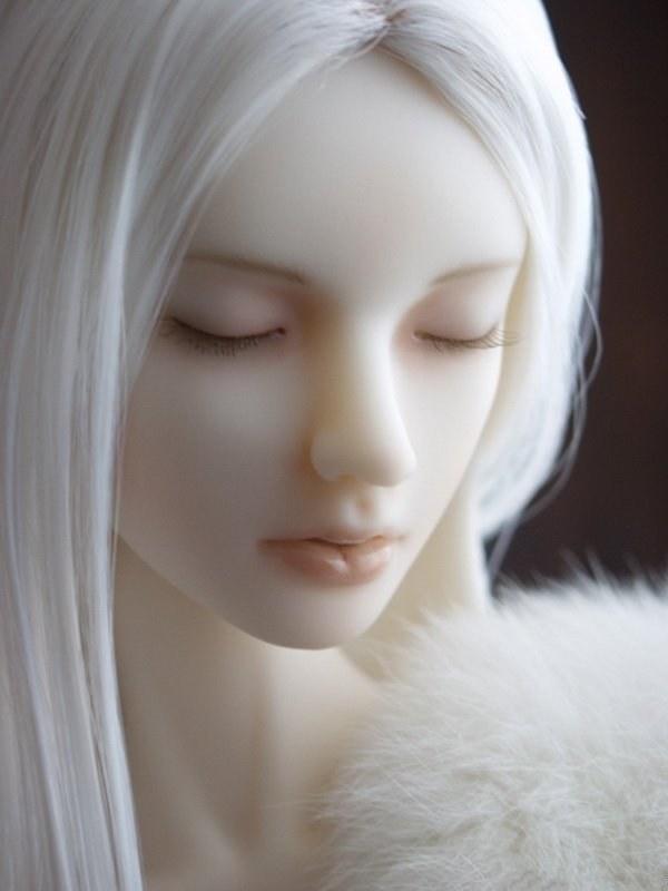 22 Pics of Super Sad Porcelain Dolls ~ Hollywood Gossip ...