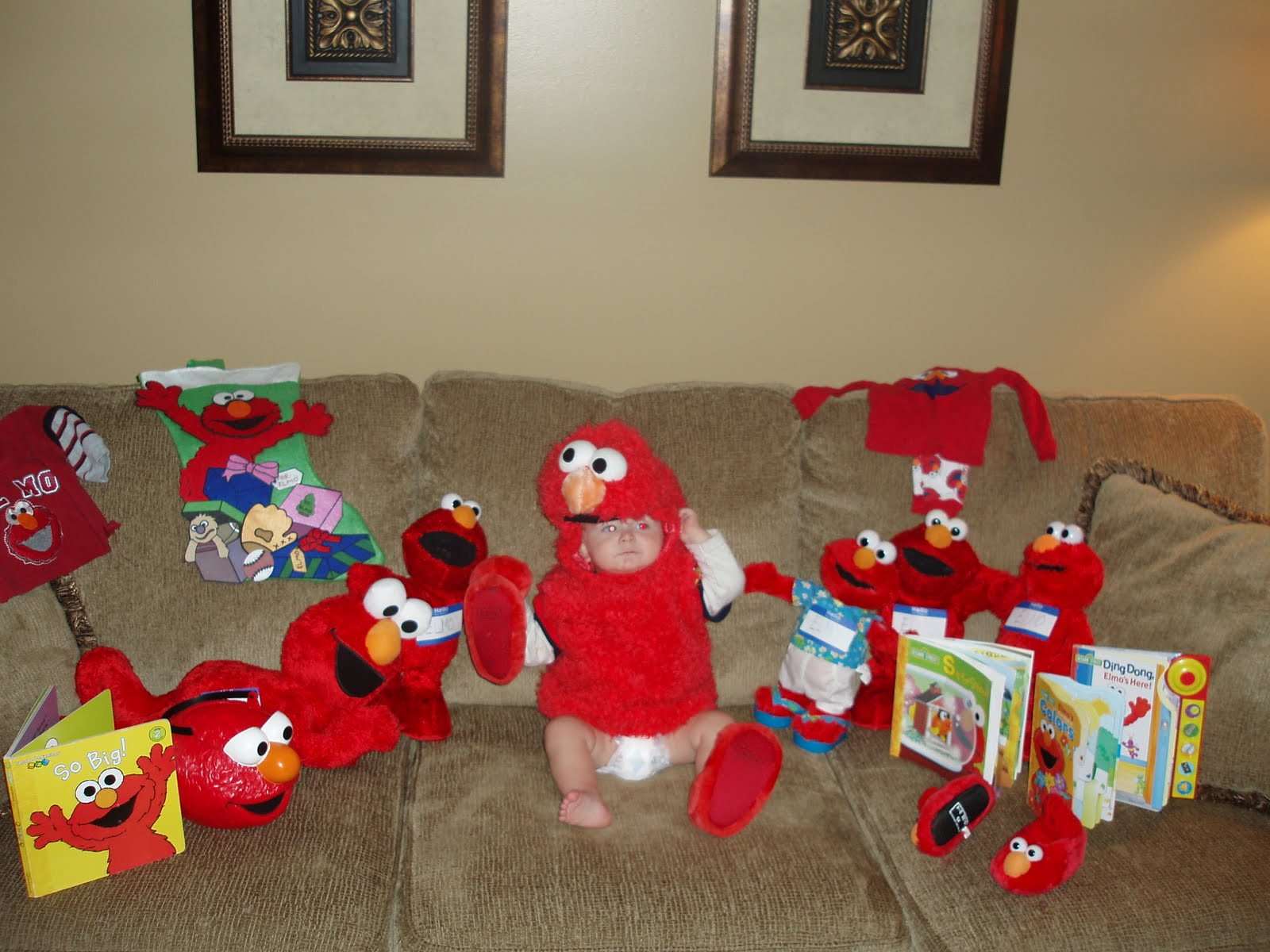Morgans Mommmy Memoir November 2010 Cuddle Me Pajamas Elmo Look And Find He Enjoys Paying With The Above Dolls Wearing His Pajama Reading Books Watching Dvds Sporting Slipper Ans Shirt