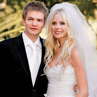 lavigne lead 400X400 My Favorite Celebrity Brides