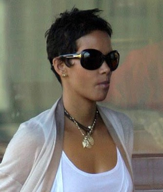 halle+berry+short+hair+photo Halle Berrys New Cropped Coif