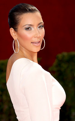 emmys+kim+kardashian+1 Spoiled Pretty Exclusive: Kim Kardashian Emmy Beauty Breakdown!!!