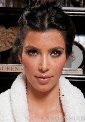 kim+kardashian+spots+face Kim Kardashian Is Seeing Spots
