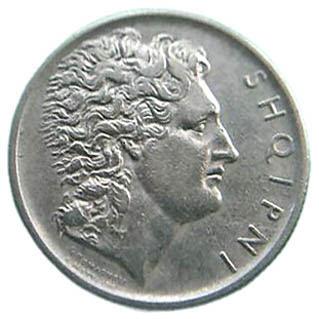 La moneta albanese prende il nome da Alessandro Magno