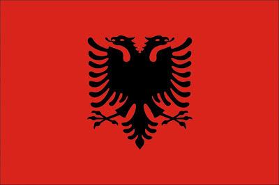 La bandiera albanese e bandiera del Kossovo