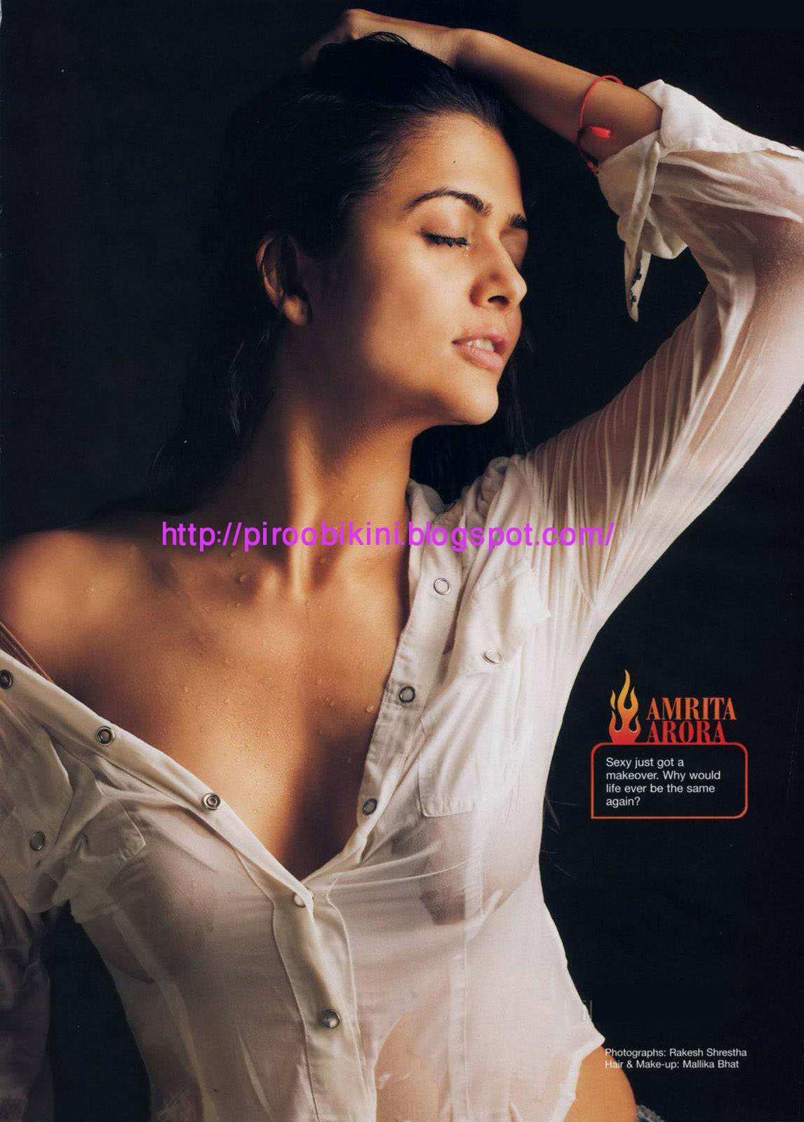 With Amrita arora boob picture commit error