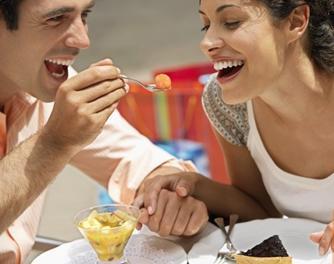 [dining-together.JPG]