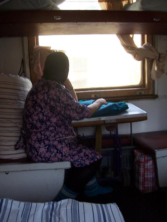 Babushka junassa matkalla itään