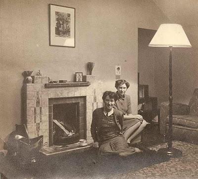 room interior 1940s