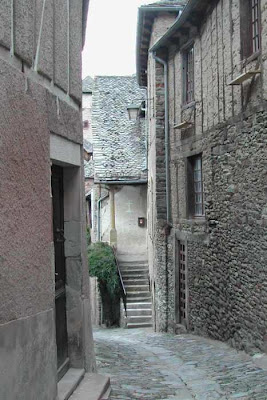 narrow street Conques