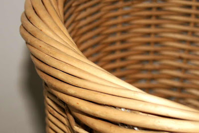 rim of wicker basket