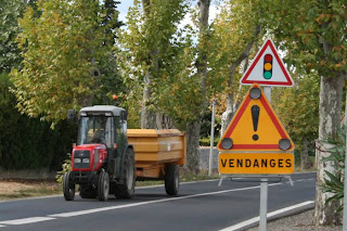 tractor, trailer and vendanges sign