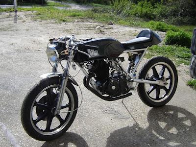 Outomotive Modification Radical Honda CB250 Cafe Racer
