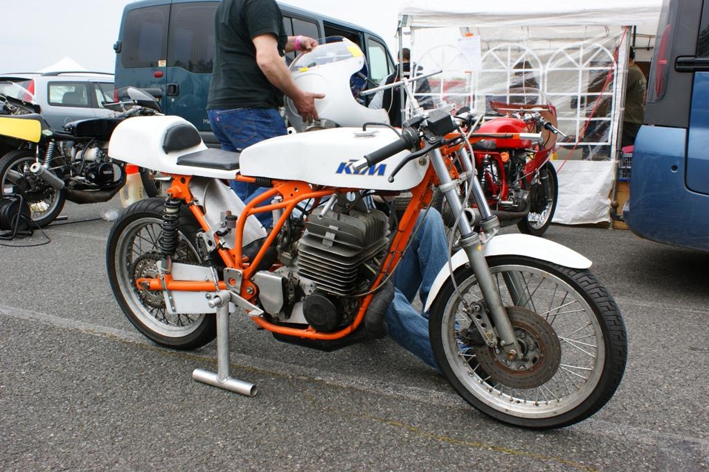 2 stroke biker blog ktm roadracer i don 39 t know anything. Black Bedroom Furniture Sets. Home Design Ideas