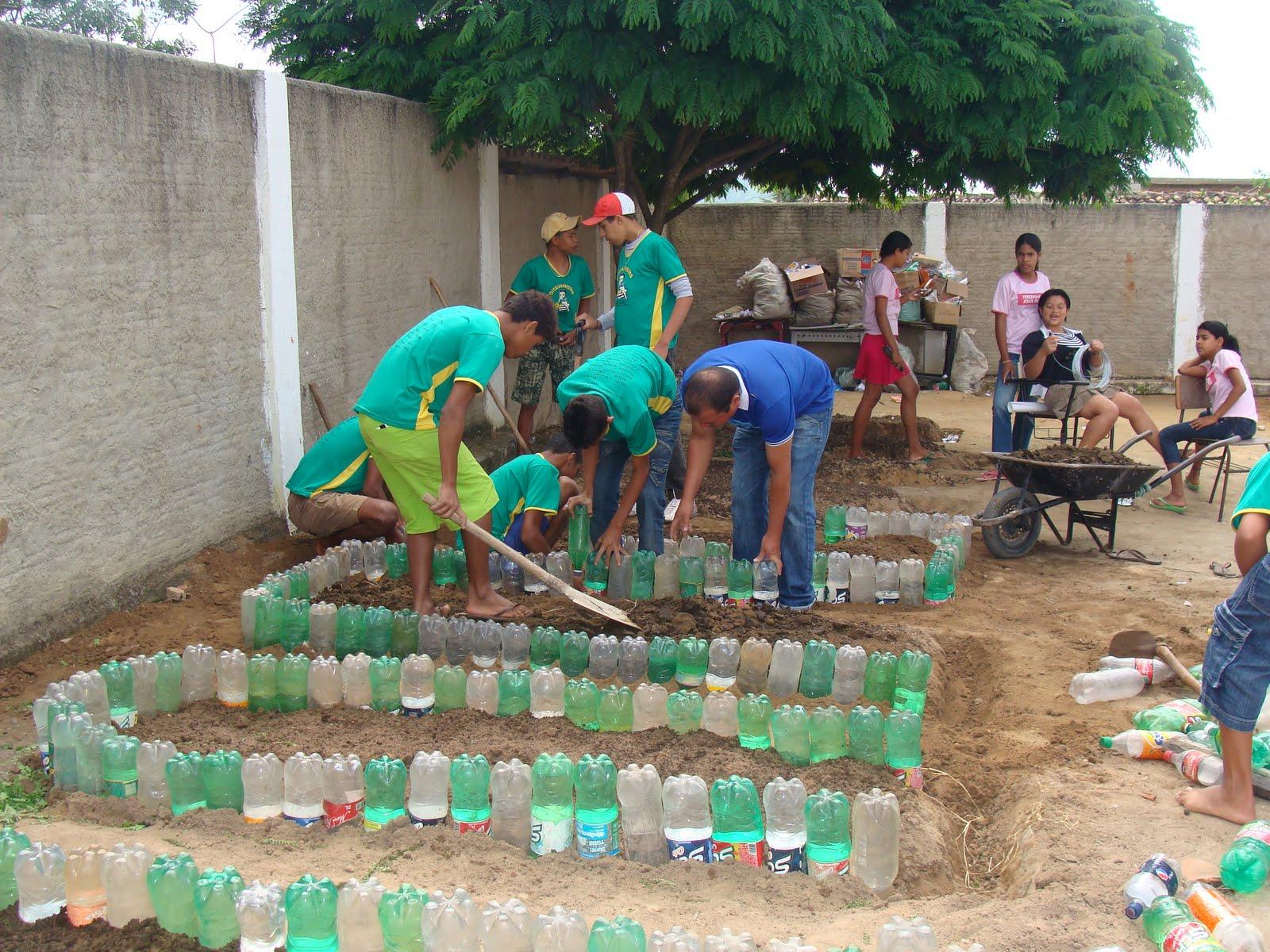 projeto horta e jardim na escola Práxis Docente e Conexão de