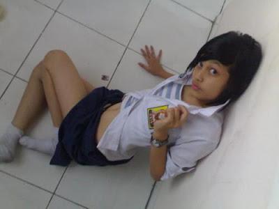 foto bugil cewek smu terbaru hot sexy gadis smu indonesia
