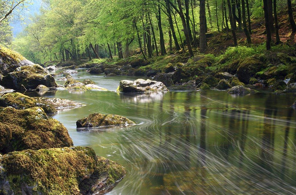 [144756339_c97549dd3e_o,+River+Llugwy.jpg]