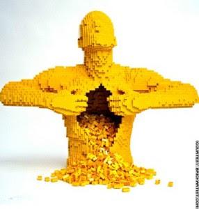 http://3.bp.blogspot.com/_VGvIYnkb-q8/SfgY4K0U2ZI/AAAAAAAABLg/-lXySnbKLx4/s320/arte-con-lego-286x300.jpg
