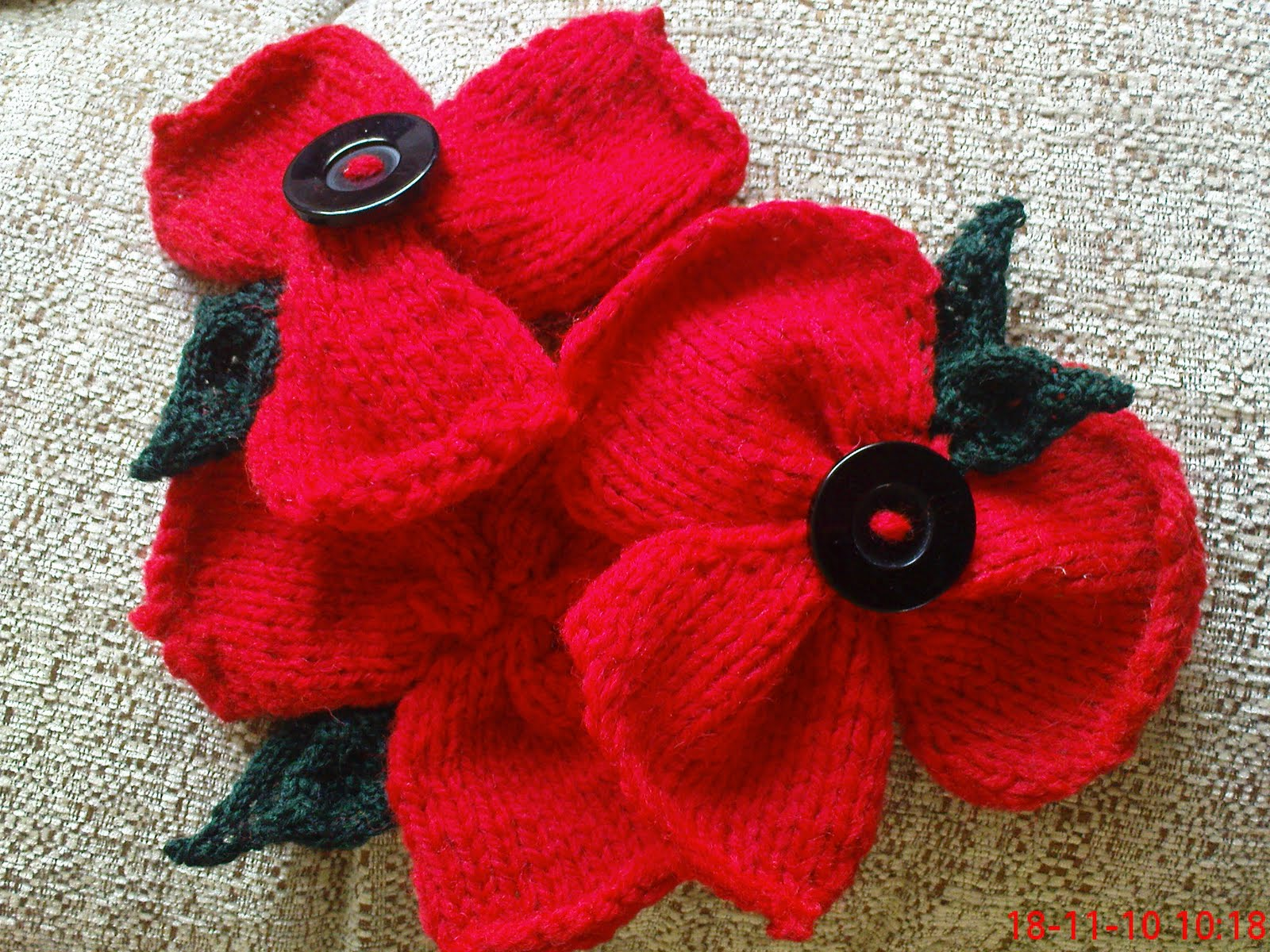 Easy Knitting Patterns For Baby Booties : Knitted Poppy Pattern