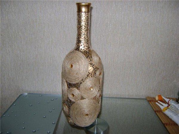 Стеклянная бутылка украшенная своими руками