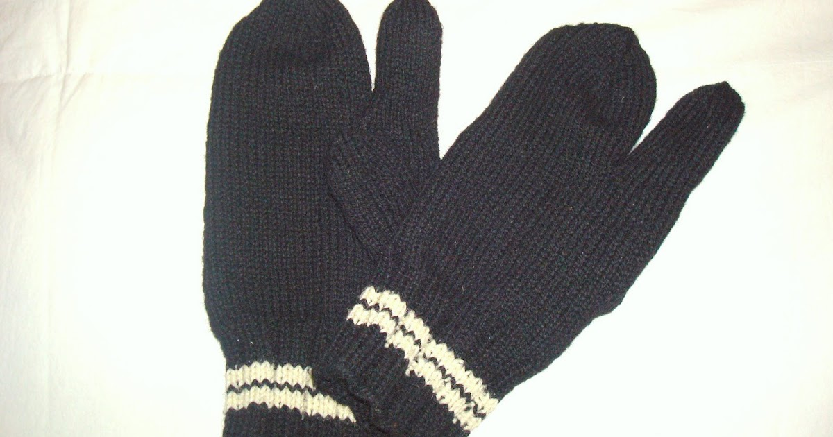 Trigger Gloves Knitting Pattern : MurrMade Knits: Hat & Finger Mitts (Trigger Mittens)