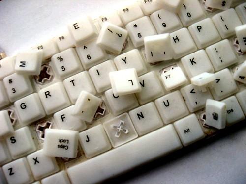 http://3.bp.blogspot.com/_VLUl1qLHrbk/TCCNQbUHweI/AAAAAAAABoI/-XRbvzyxJJ4/s1600/computer,concept,creative,keyboard,letters,mess-c900b0fc25b1793c3683e3fffb1cd878_h.jpg