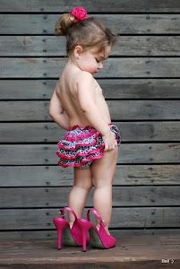 Há duas épocas na vida, infância e velhice, em que a felicidade está numa caixa de bombons.
