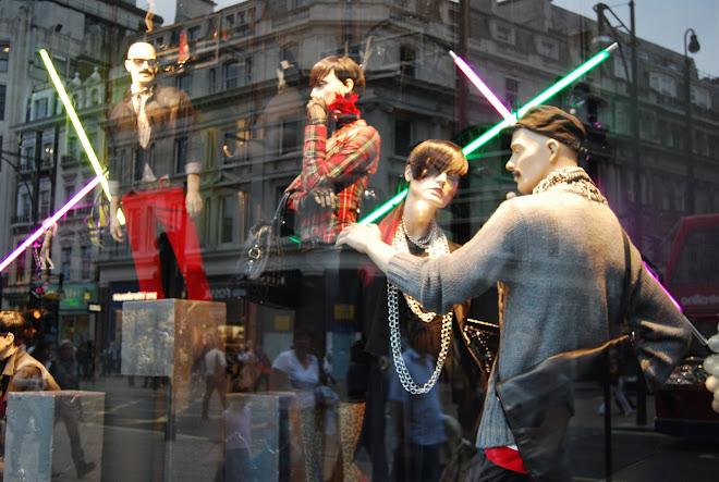 Zara window, London, Agost 2008