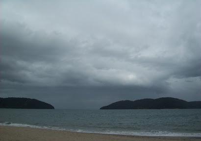 A Vida é igual ao Rio que se perde no Mar. (Jota Silva).