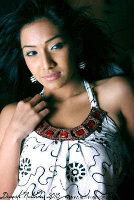 Sri lankan extremely sexy actress Nehara Peiris hot pictures, Nehara Peiris blue tight jeans