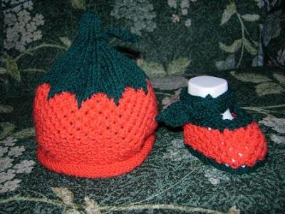 cappellino scarpine cappello neonato maglia ferri lana