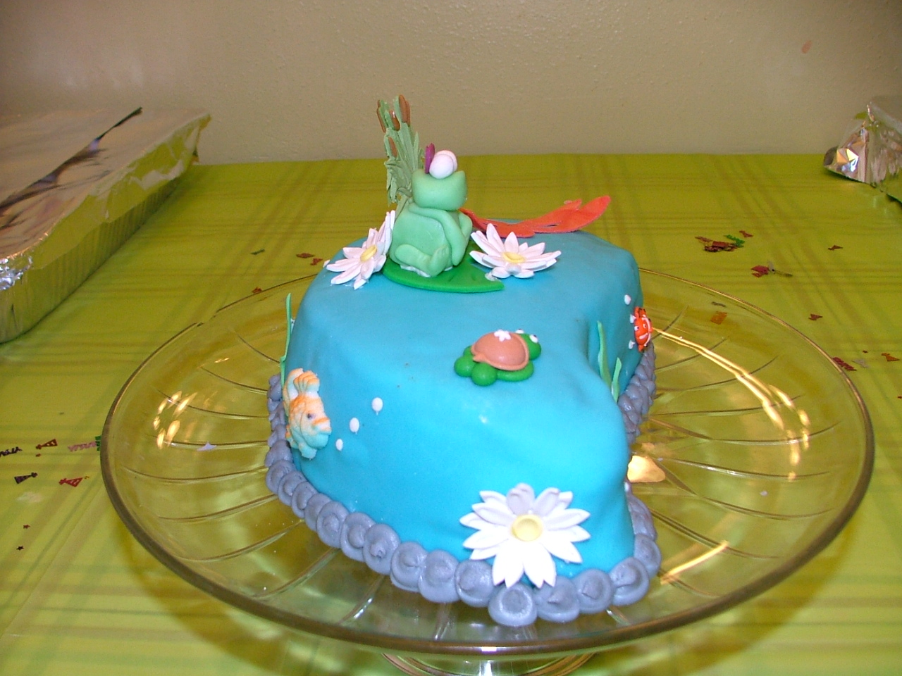 Det var s Lidt Frogs Pond Life Smash Cake