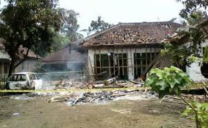 Foto Ahmadiyah Diserang - Aku dan sekitarku