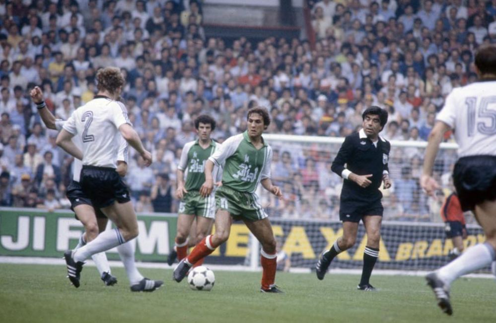 Old school panini les tr sords de la d2 rabah madjer - Ballon coupe du monde 1986 ...