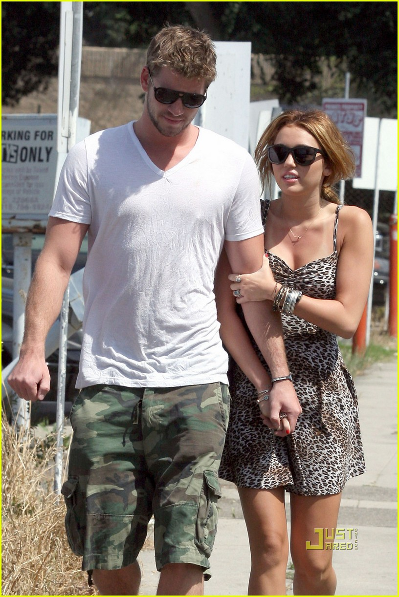 Liam Hemsworth with Miley Cyrus Pregnant