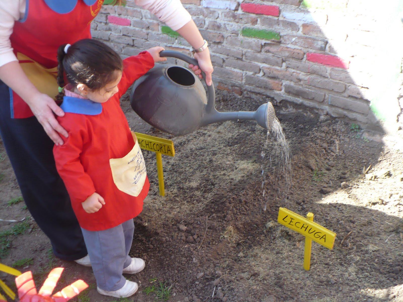 Jardín Maternal Las Aventuras de Cristian y Diego: NUESTRA HUERTA