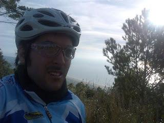 en lo alto del Rat Penat, con Castelldefels abajo!