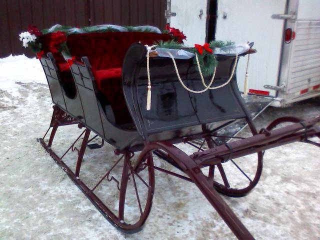 You cant have a winter wedding without a sleigh pinewoodstableusacom