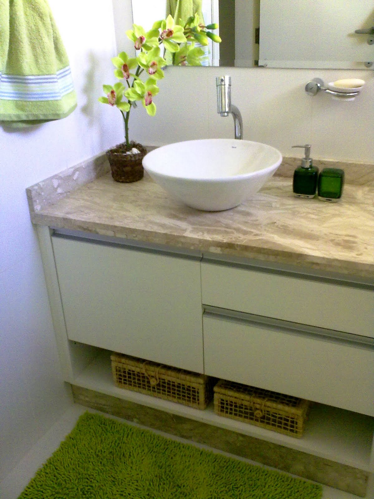 Ellen Inserilo : Meu banheiro #4B590E 1200x1600 Armario Banheiro Verde
