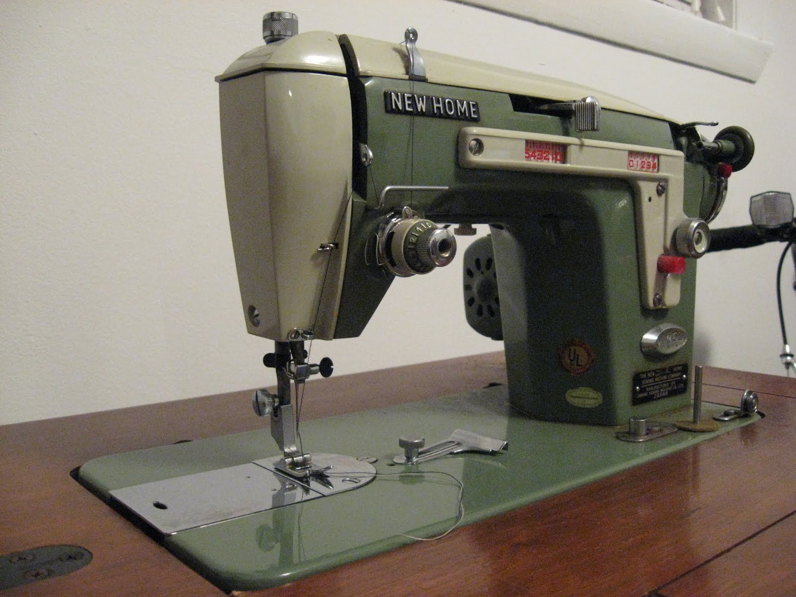 Loophole in my Dreaming: New Home Sewing Machine 532